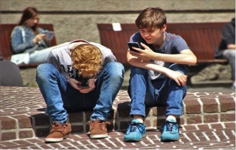 4 Ways to Control Your Childs Smartphone Use
